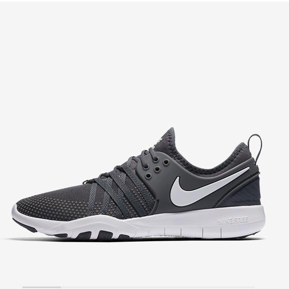 Nike Women's Free TR7 in Dark Grey/White.